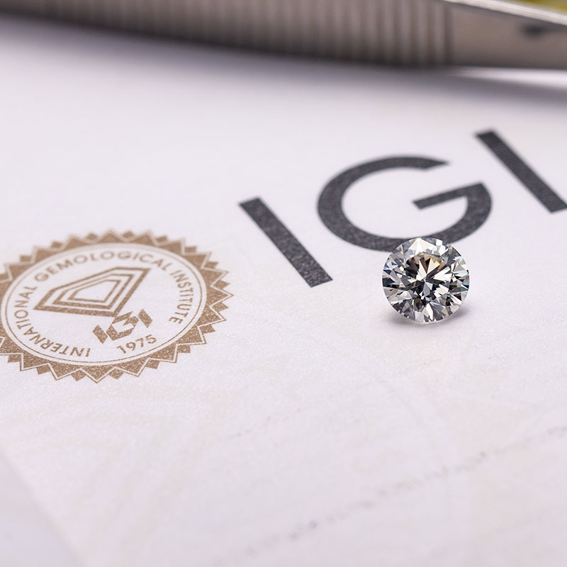 The difference between mined diamonds and lab grown diamonds
